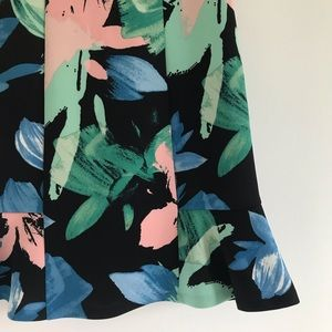4546bef102a4c Vince Camuto Dresses - Vince Camuto Floral Scuba Summer Flare Dress NWT